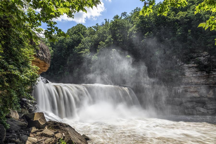 6 of the Most Amazing Kentucky Waterfalls to Visit This Spring